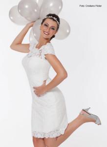 O vestido de noiva curto é perfeito para união civil